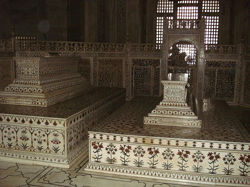 Tombs of Shah Jahan and his beloved wife, Mumtaz Mahal